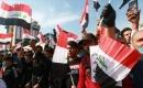 Bağdat'ta Sadr yanlısı binlerce kişi, erken seçime katılma çağrısına destek gösterisi yaptı