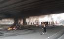 Bağdat'ta Göstericiler Yolları Kapattı